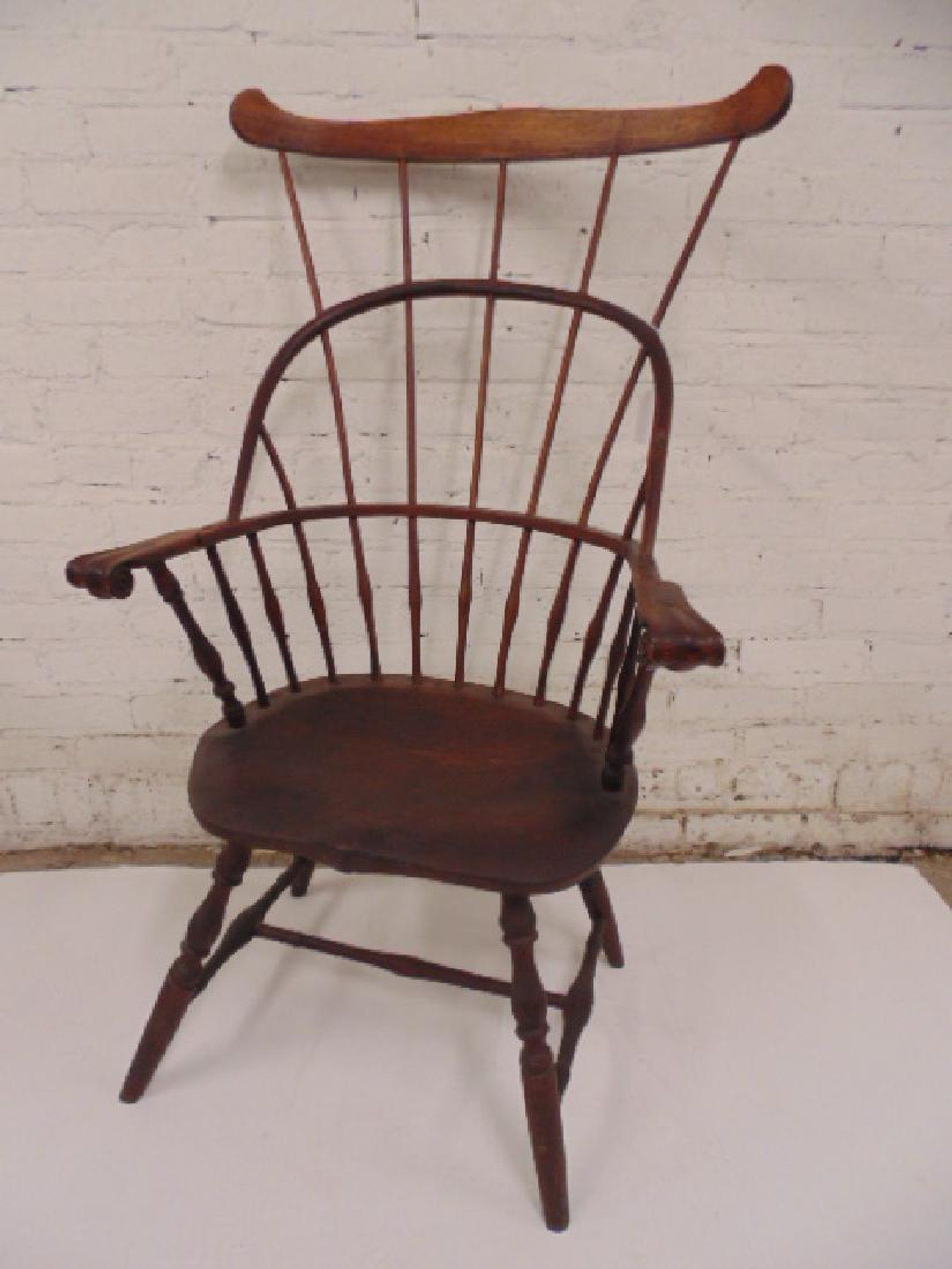 Antique comb windsor arm chair rare windsor arm chair