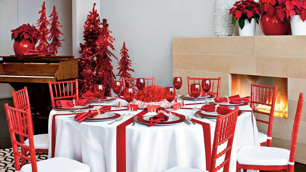 Make It Merry Bright Christmas Table Table Decorations Christmas Table Decorations