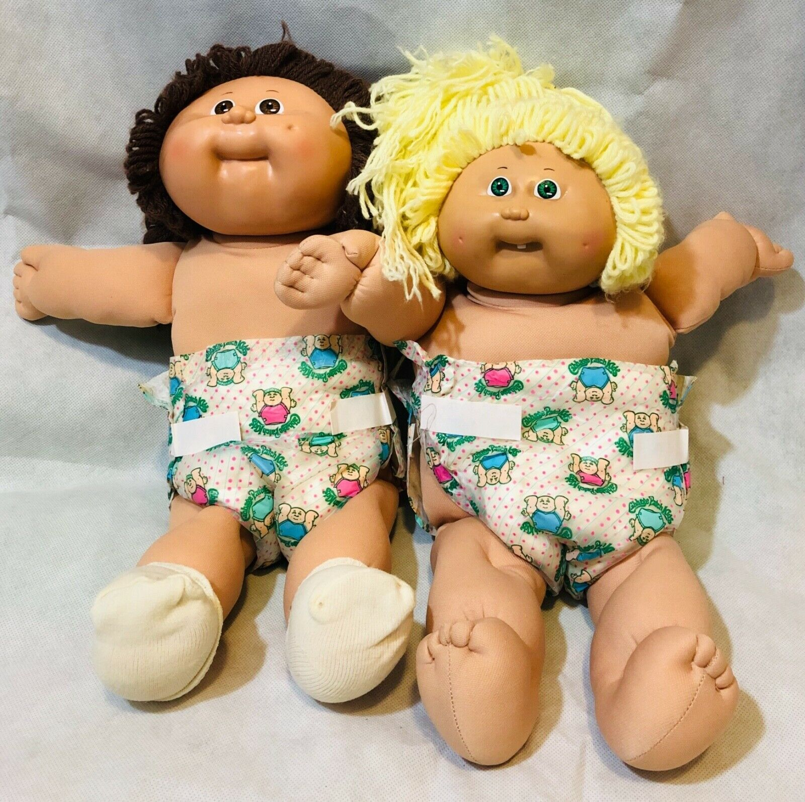 Vintage 80s Cabbage Patch Kids Dolls Lot Of 2 Blonde Brunette Tooth Collectible Ebay Cabbage Patch Kids Patch Kids Child Doll