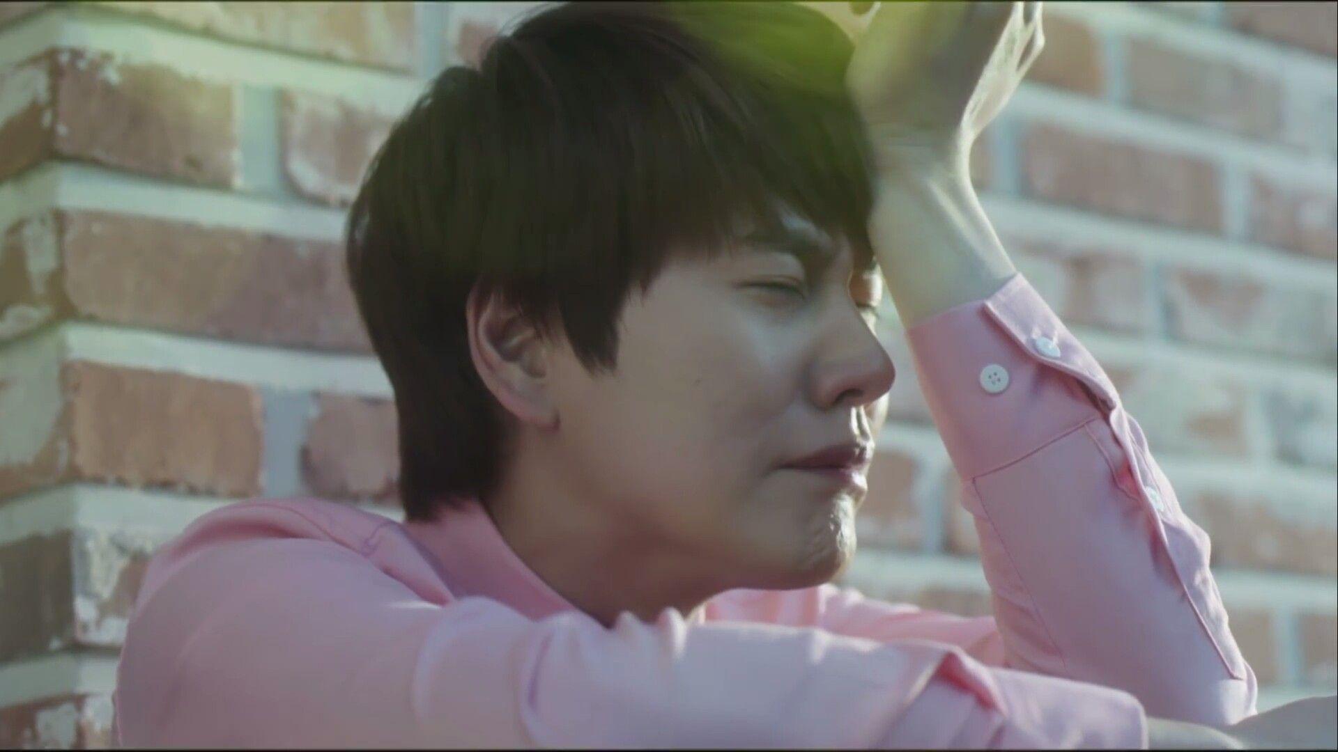 Poor Kyuhyun Let Me Give U A Hug