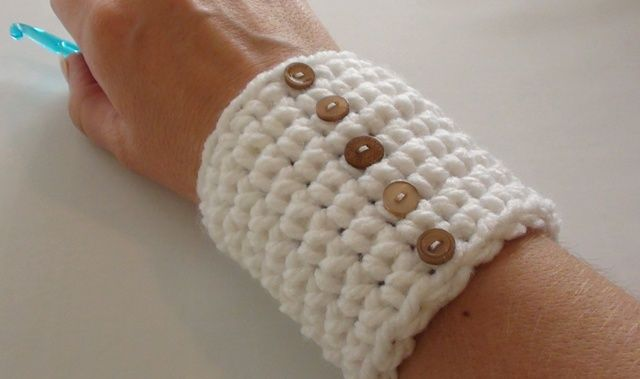Little Crochet Wrist Warmers Video Tutorial And Pattern At Http