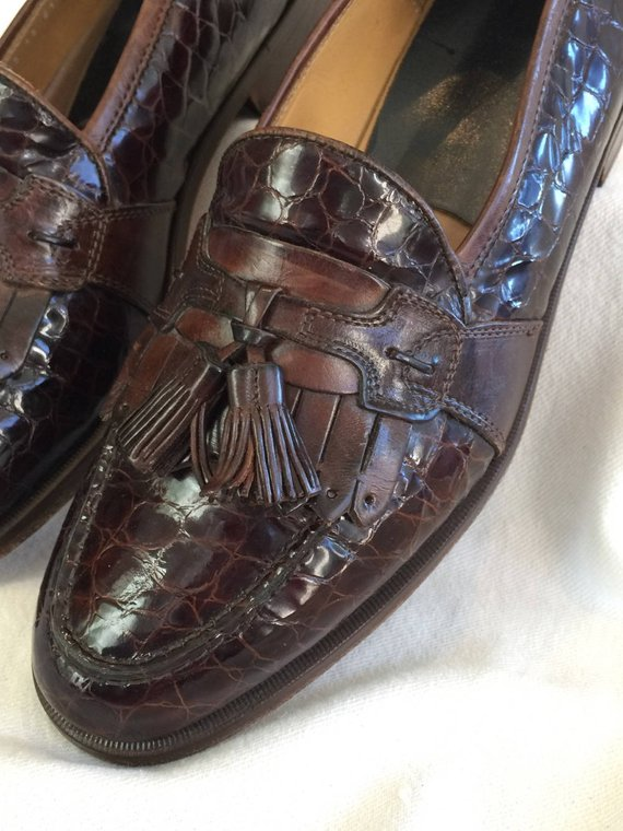 12d9a50a114 Vintage Men Tassle Loafers Brown Dress Exotic Leather Dk Brown Size 9.5  Shoes EXC condition