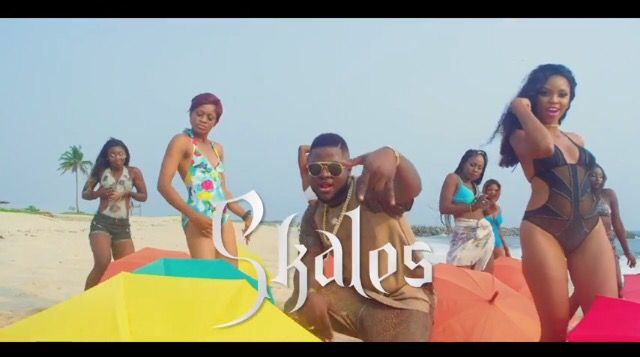 Here is Baseline's front man and award Winning music act Skales dropping the visuals to his hit single Ajaga. The track has got DMW head honcho Davido and Dem Mama soldier Timaya and yo…