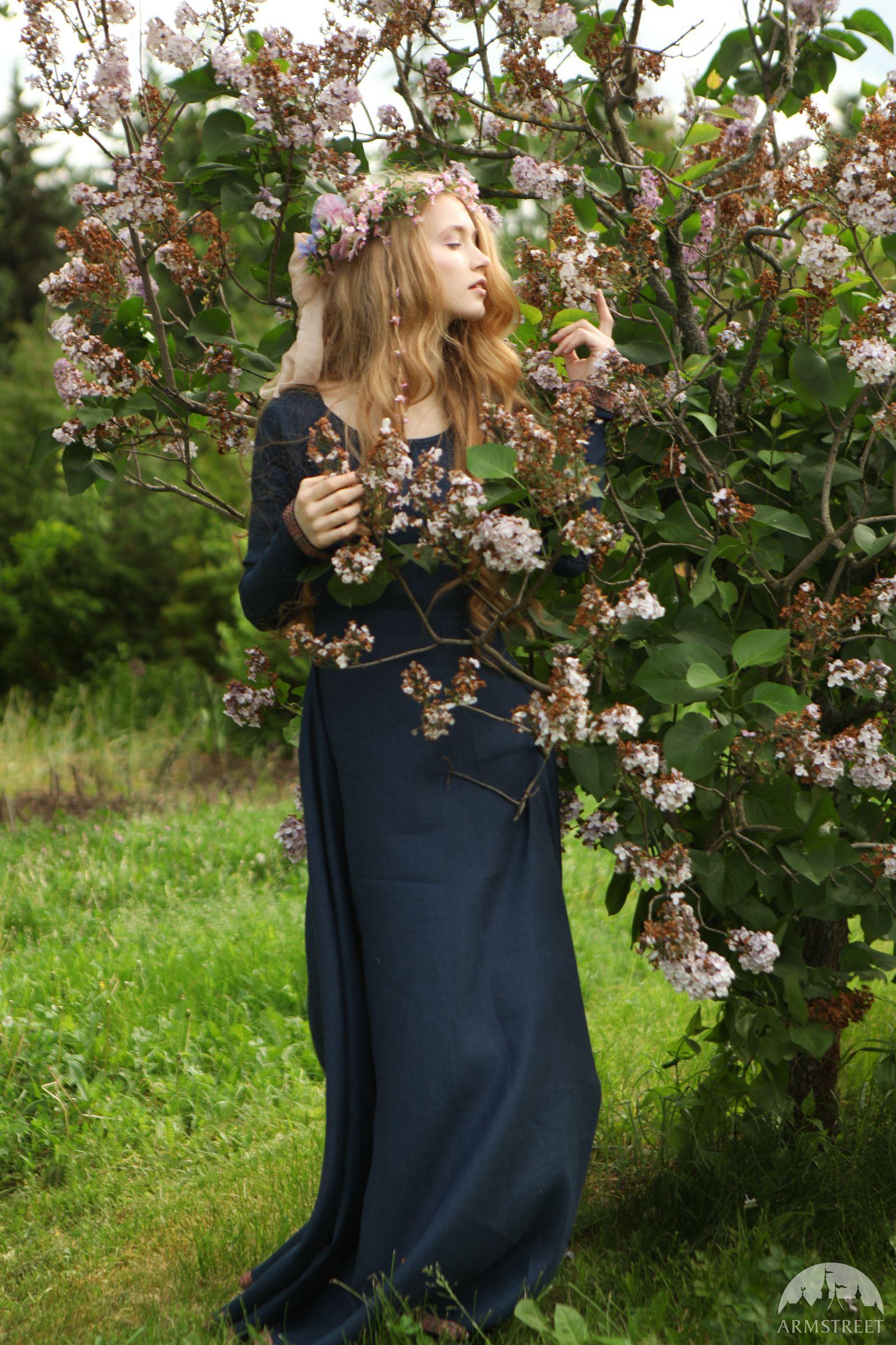 Brautjungfernkleid Geheimer Garten Medieval Costumes Pinterest