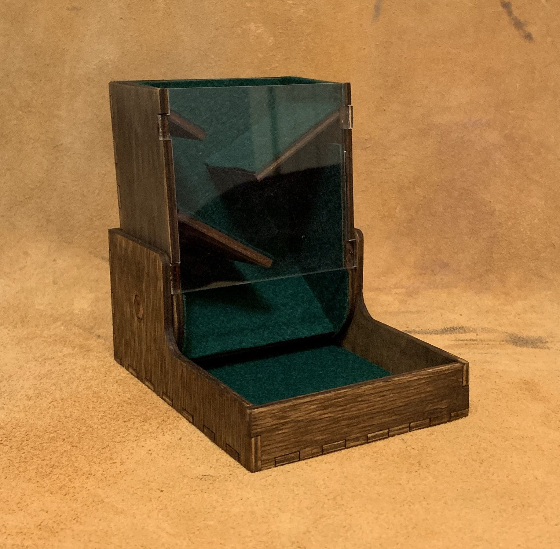 Foldable dice tower m