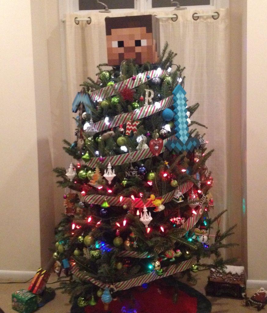 Christmas Tree Minecraft Steve Minecraft Christmas Tree Christmas Tree Themes Diy Christmas Ornaments