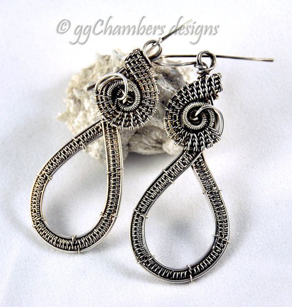 Curly Q Figure-8 Woven Wire Dangle Earring Tutorial | Wire earrings ...