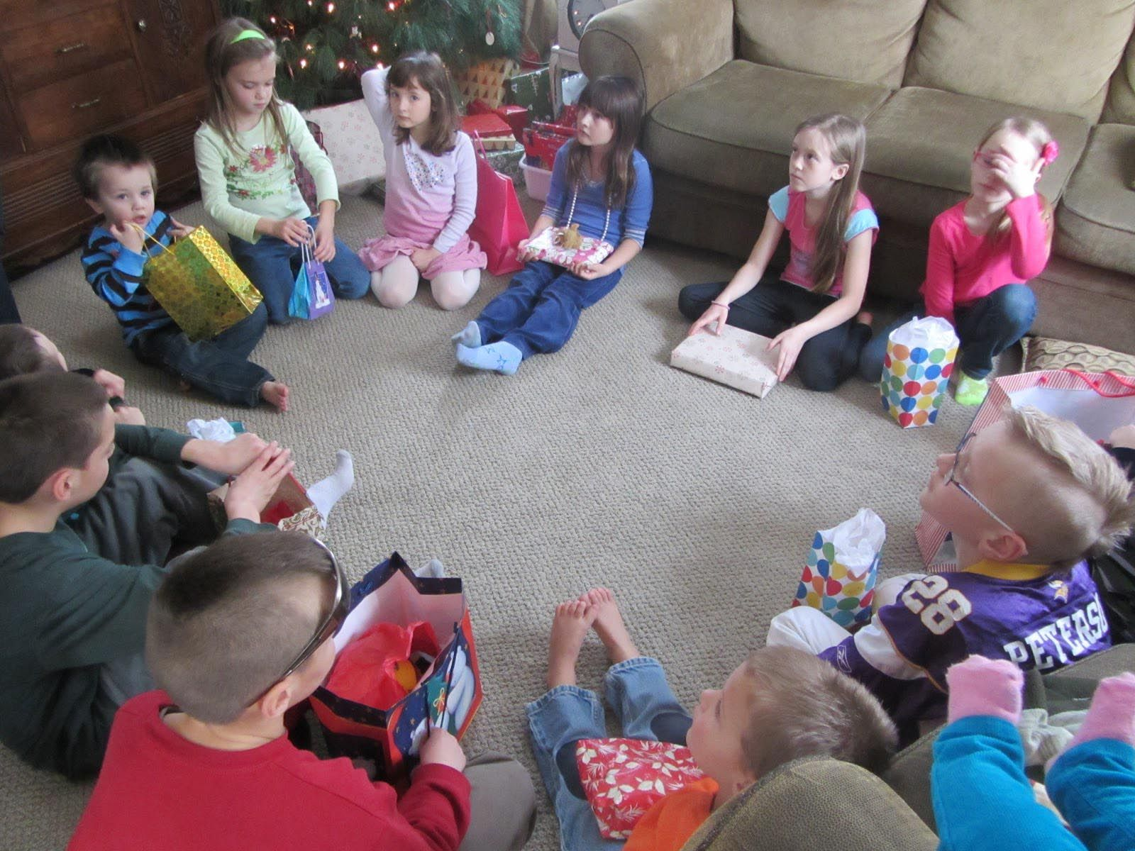 Christmas Party Ideas For Toddlers Part - 32: Christmas Party Games Toddlers