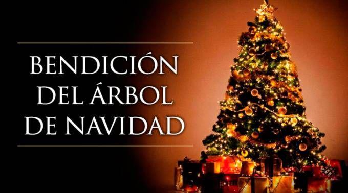 Rito de bendición del árbol de Navidad en familia