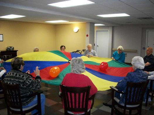 Chair Games For Seniors Adirondack Prints Parachute Using Balloons Working With Alzheimer S Elderly