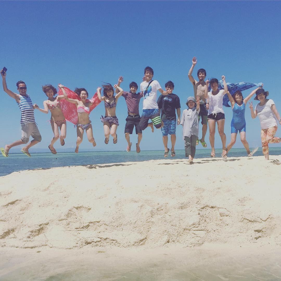 . . . . . my last weekend in cebu アイランドホッピングしてきたぜ 船から海にダイブしたり シュノーケリングしたり ビーチBBQふぉ ようやく南国っぽいことした笑 ひたすらにたのしかったな あと日がんばるぞたのしむぞ #cebu#studyabroad#bohol#pandanon#island#philippines#sea#friends#鼻に#めっちゃ#海水入った#死ぬかと#思った#実際#懲りた#日焼けやばい#日本帰るの#恥ずかしい by too94_