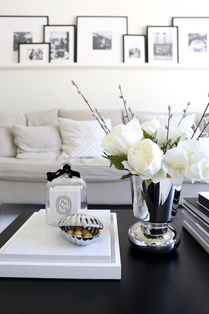 It S Time To Steal Kylie Jenner Interior Decor And We Show You How Coffe Table Decor Home Decor Classic Home Decor