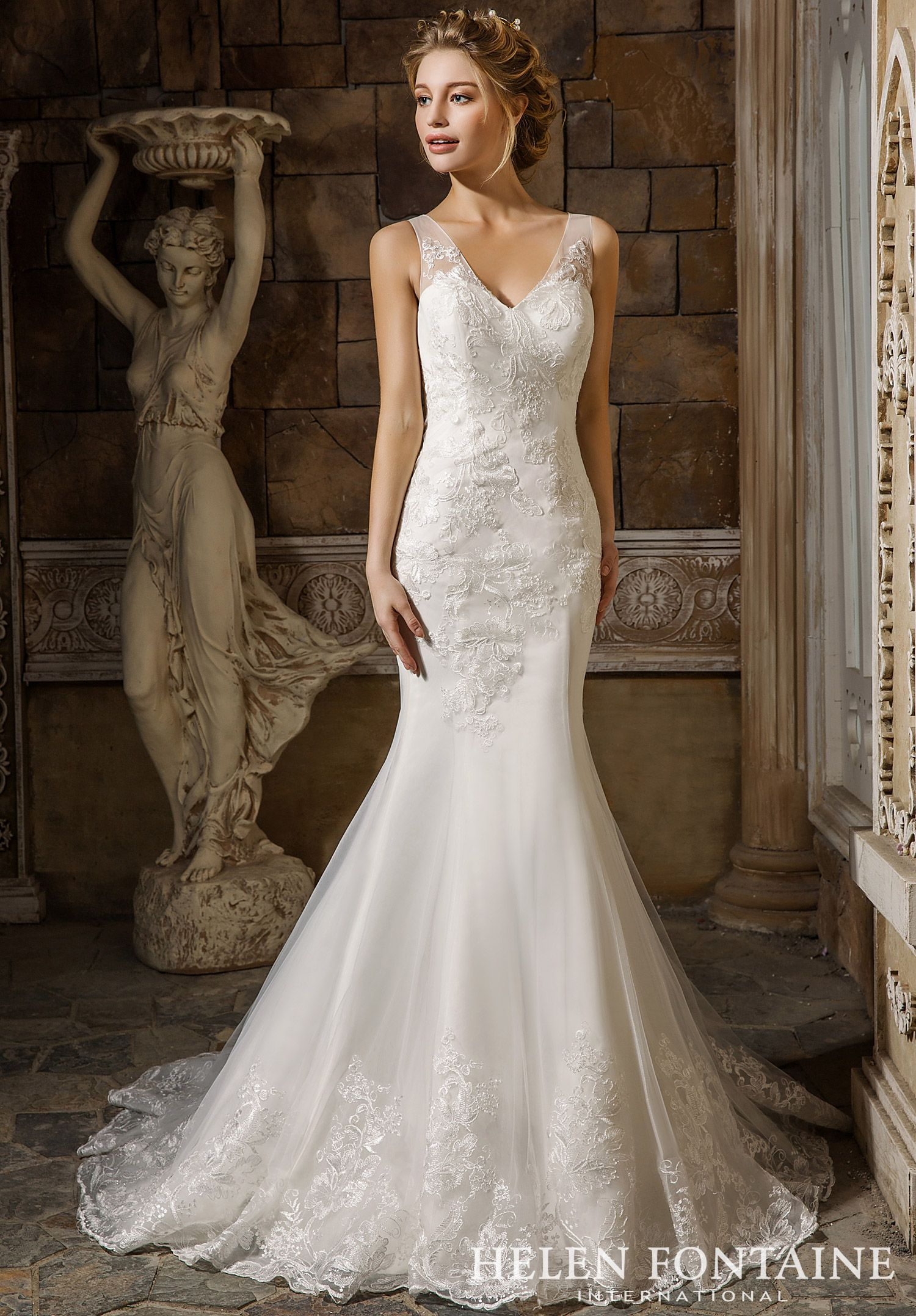 Dramatic Gown with A Detachable Train.Style HFW2599