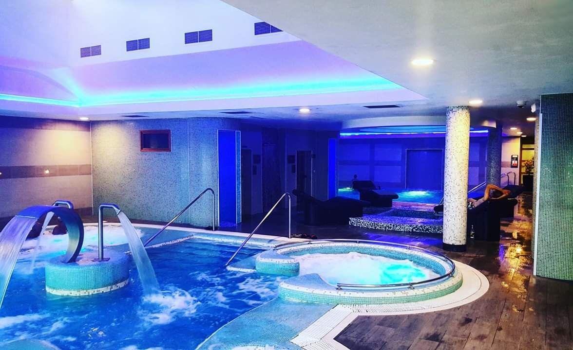 Davidlloyds Beckenham Gym Spa Jacuzzi Pool Hotbeds Sauna