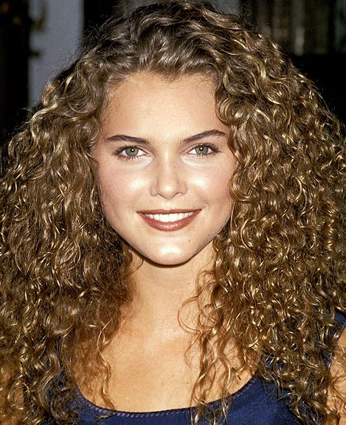 Pictures 10 Celebrities With Naturally Curly Hair Keri Rus