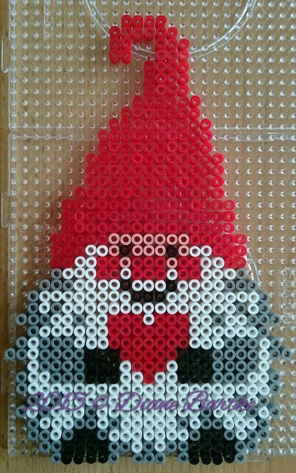 wichtel 1 weihnachten wichtel b gelperlen und buegelperlen weihnachten. Black Bedroom Furniture Sets. Home Design Ideas