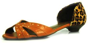 Sapatilha Spikes Vitória Prado no site www.ShopShoes.com.br
