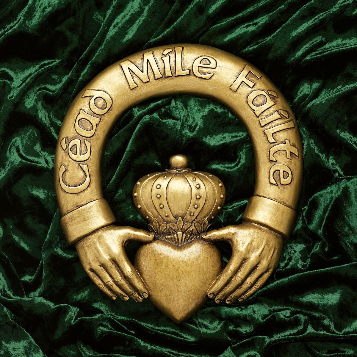 Céad míle fáilte translation a hundred thousand welcomes caint