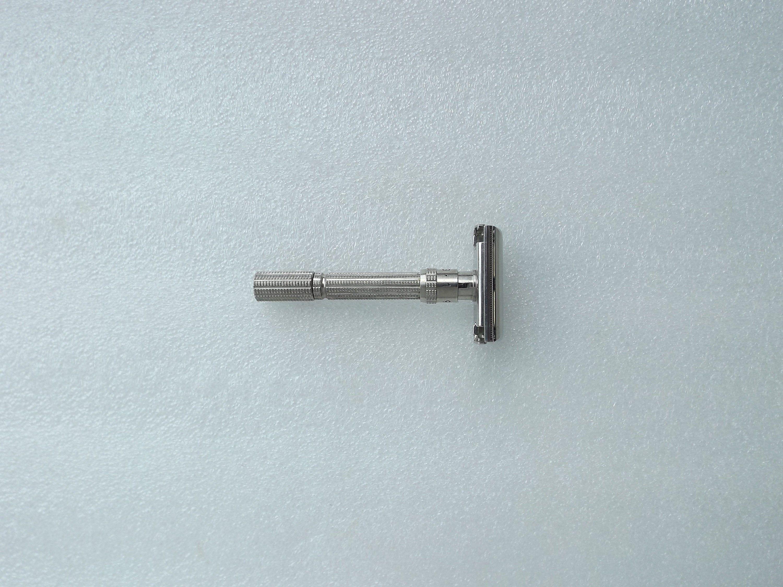 Vintage Gillette Slim Adjustable Safety Razor Date Code L2
