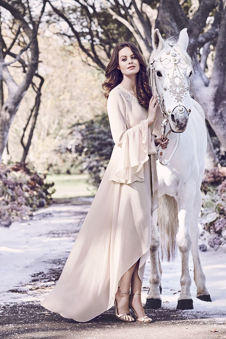 Evelina Robe Is Elegant In Soft Pink Chiffon Soft Pink Elegant Chiffon