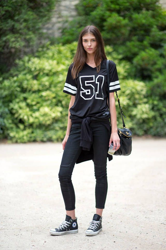 Super Bowl Style - How to Make a Sports Jersey Look Chic - black and white  jersey 764e6aaf9