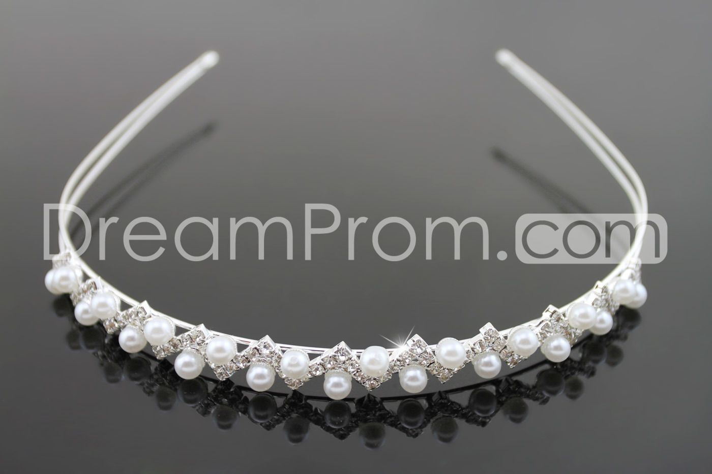Attractive Lustrous Alloy with Shiny Rhinestone and Pearl  Wedding Bridal Tiara