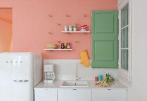 La cucina a isola Ikea è stata customizzata dagli architetti e ...