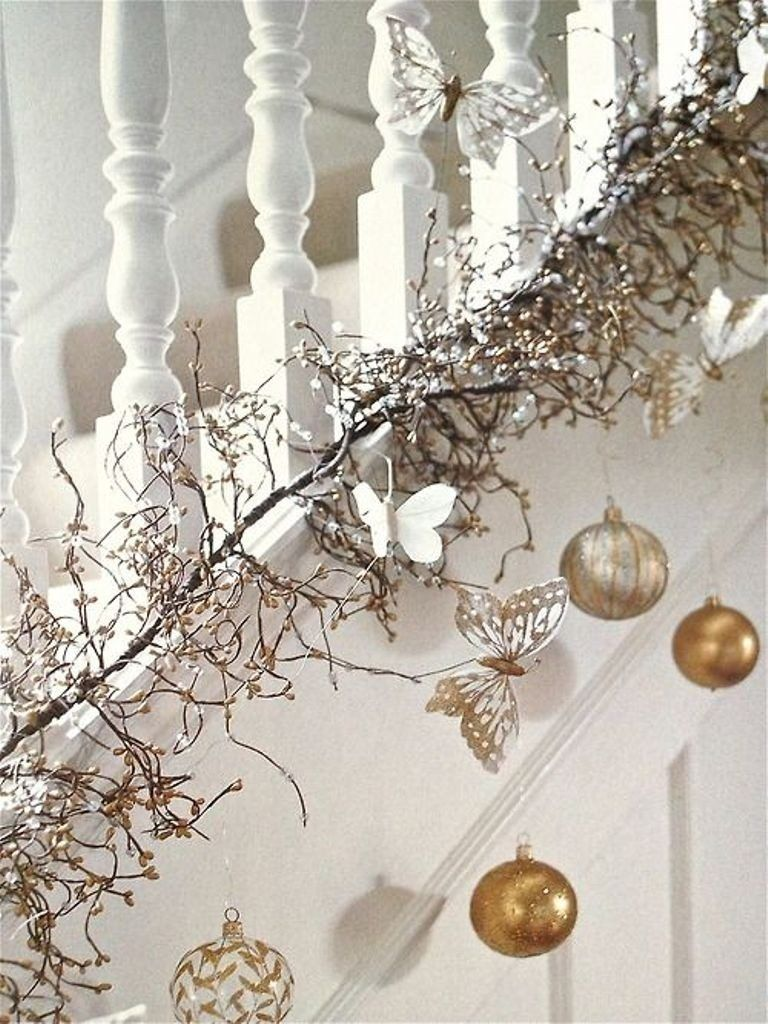 75 Hottest Christmas Decoration Trends Ideas Pouted Com Christmas Stairs Decorations Christmas Staircase Contemporary Christmas