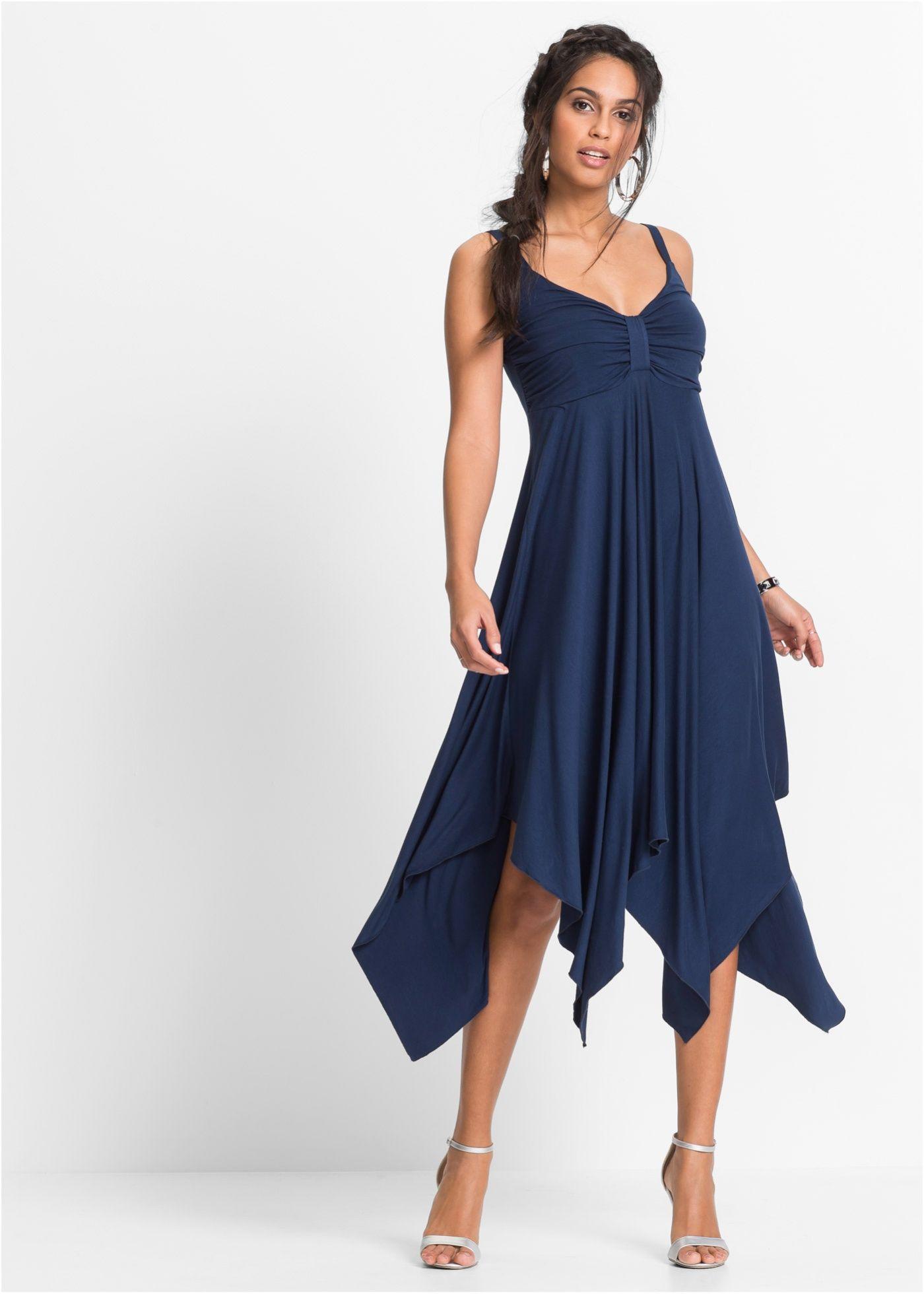 2bda7c51faa3 Beställ Klänning med asymmetrisk nederkant mörkblå nu från 249.- kr i  online-butiken