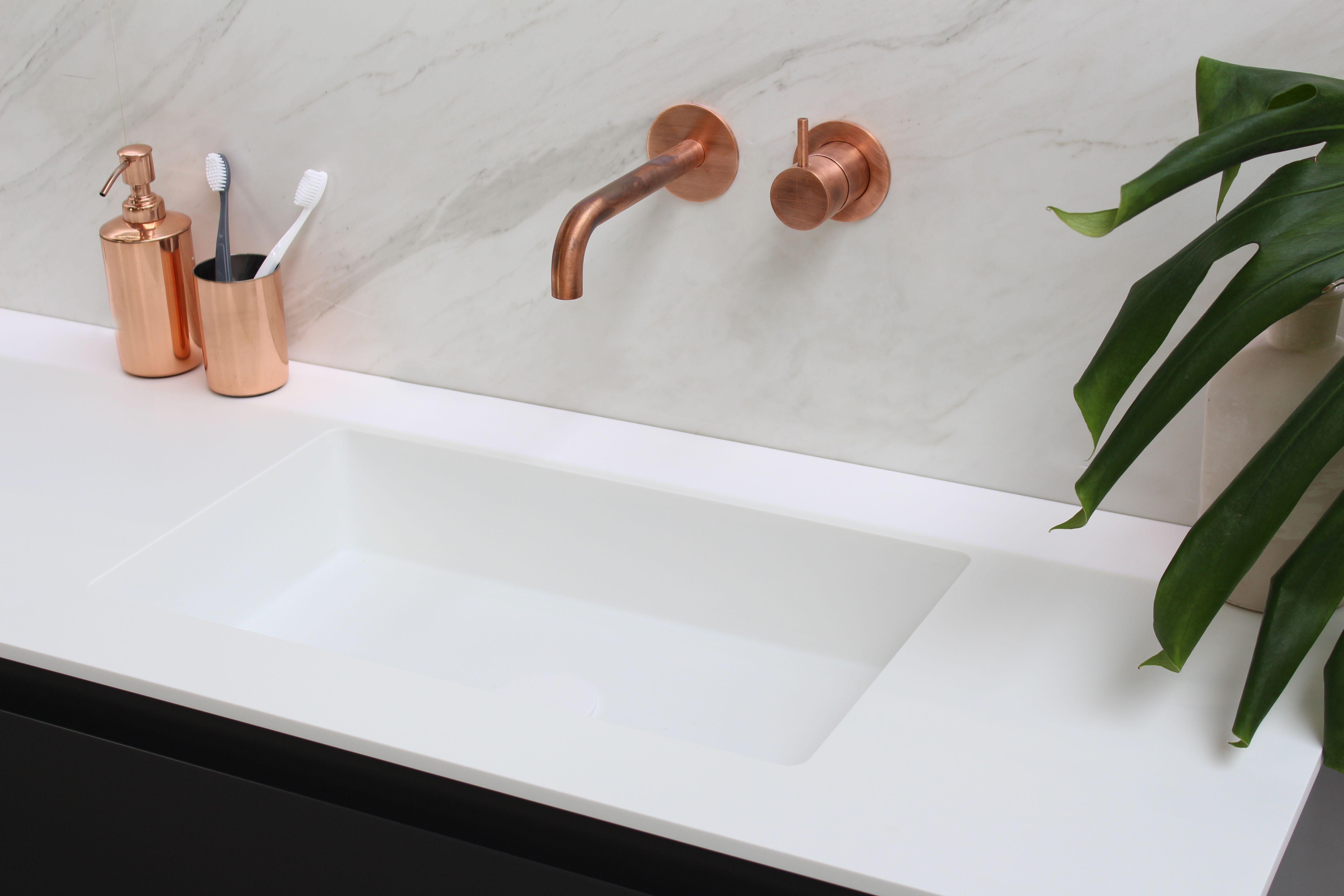 Badkamer Onderkast Badkamerlamp : Bliss e viva badkamer bathroom design modern clean