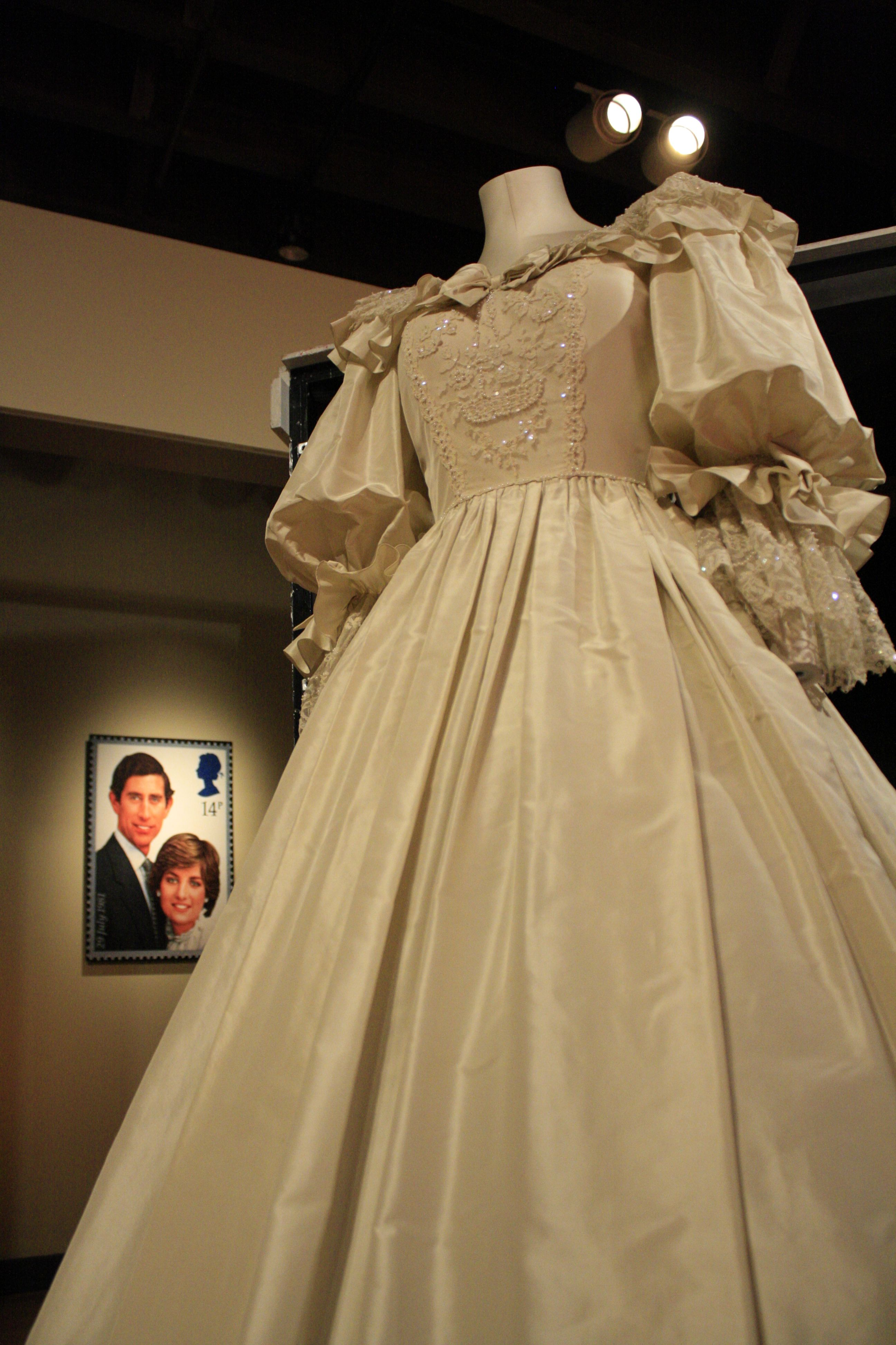 The Princess Of Wales Wedding Gown Part Of The Frazier History Museum S Exhibit Diana A Cel Royal Wedding Dress Royal Wedding Gowns British Wedding Dresses