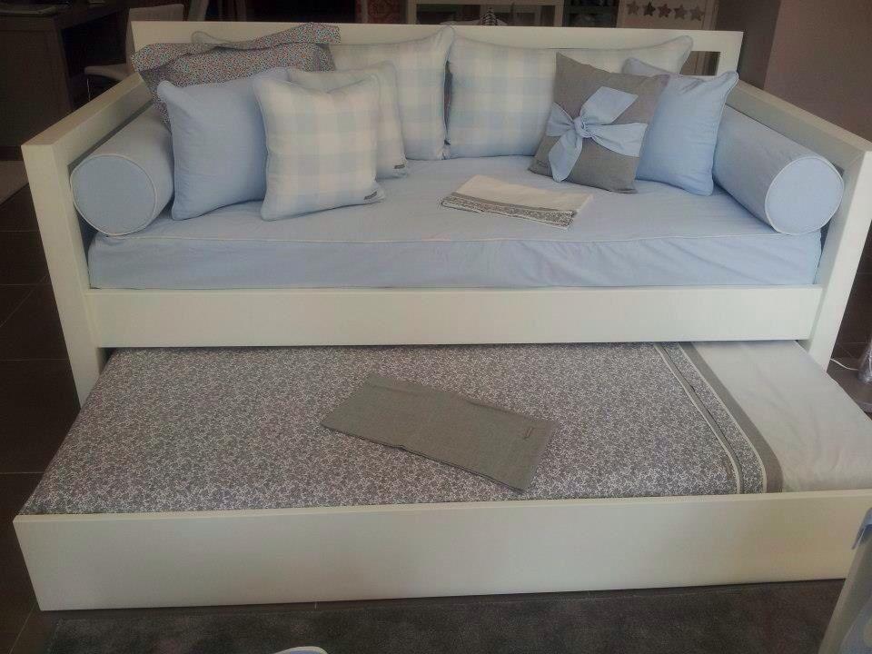 Cama nido blanca y frente de arrastre para cama inferior for Textil cama
