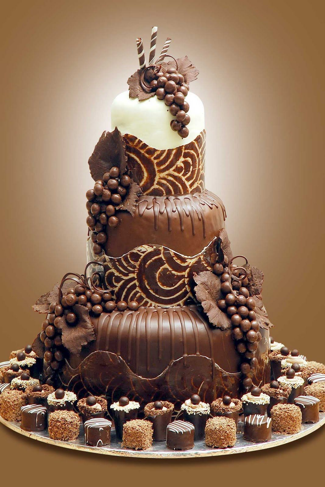 decorating chocolate biscuit wedding cake cake chocolate cake cakes in 2018 13405
