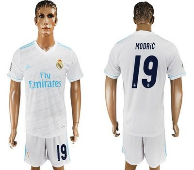 2017-2018 Real Madrid Mens #19 Luka MODRIC White Home Soccer Jersey