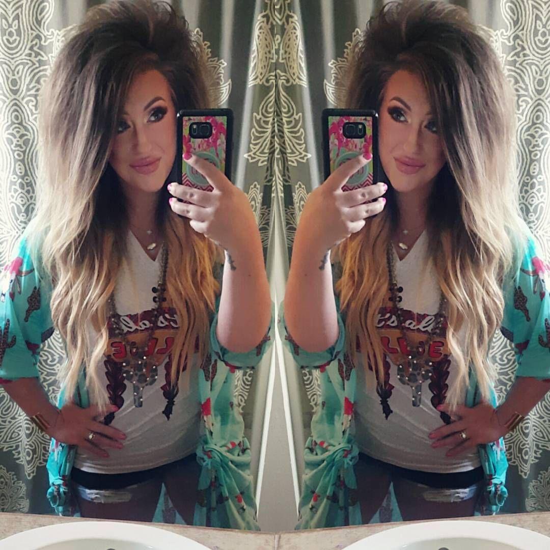 Big Texas Hair Willie Nelson Tee And A Cute Duster Name A Cuter Outfit Ill Wait Big Texas Hair Texas Hair Teased Hair