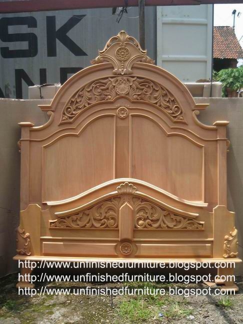 New Victorian Bed Made Of Solid Mahogany Wood Present In