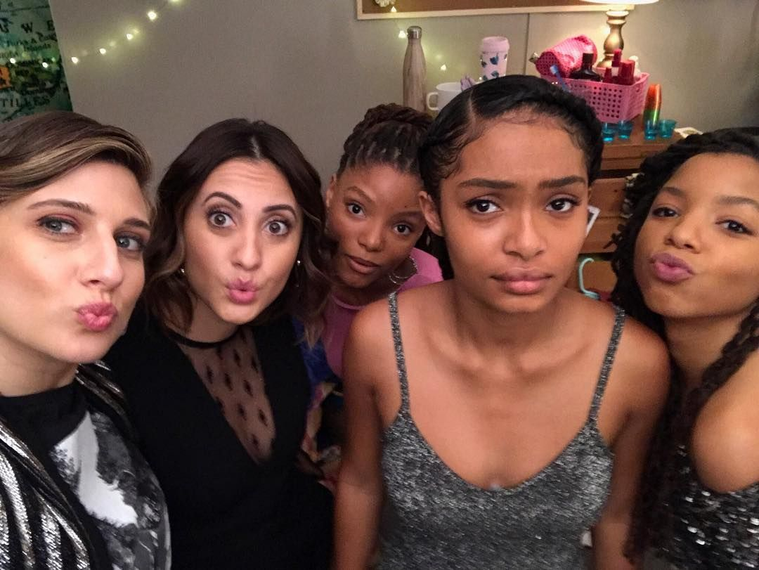 """1fc463cde72ca Yara (يارا ) Shahidi ( yarashahidi) on Instagram  """"Zoey not quite convinced  about the rebound ⚡ tonight on  grownish with the girls ⚡  grownish 8 pm!"""""""