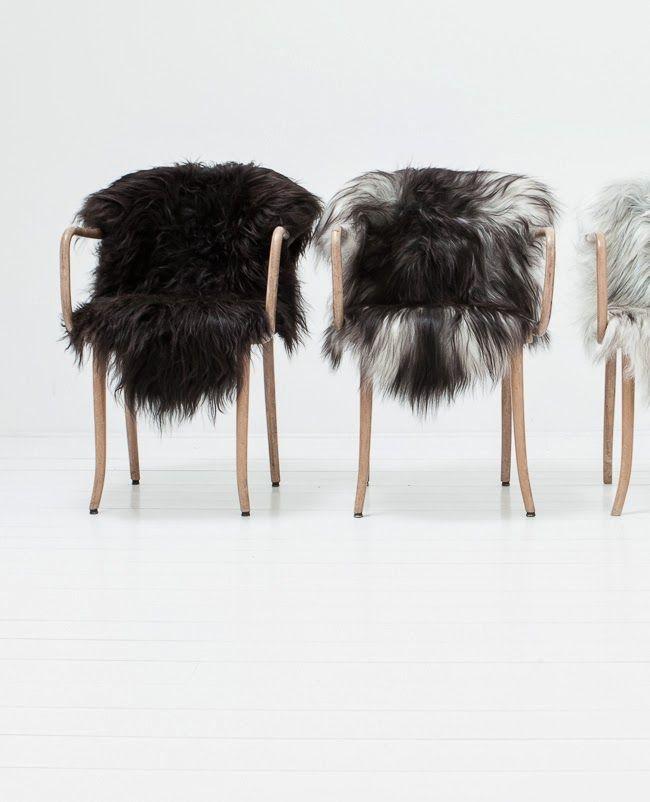 Ik hou simpelweg van dierenvellen op stoelen - op de grond - op je ...
