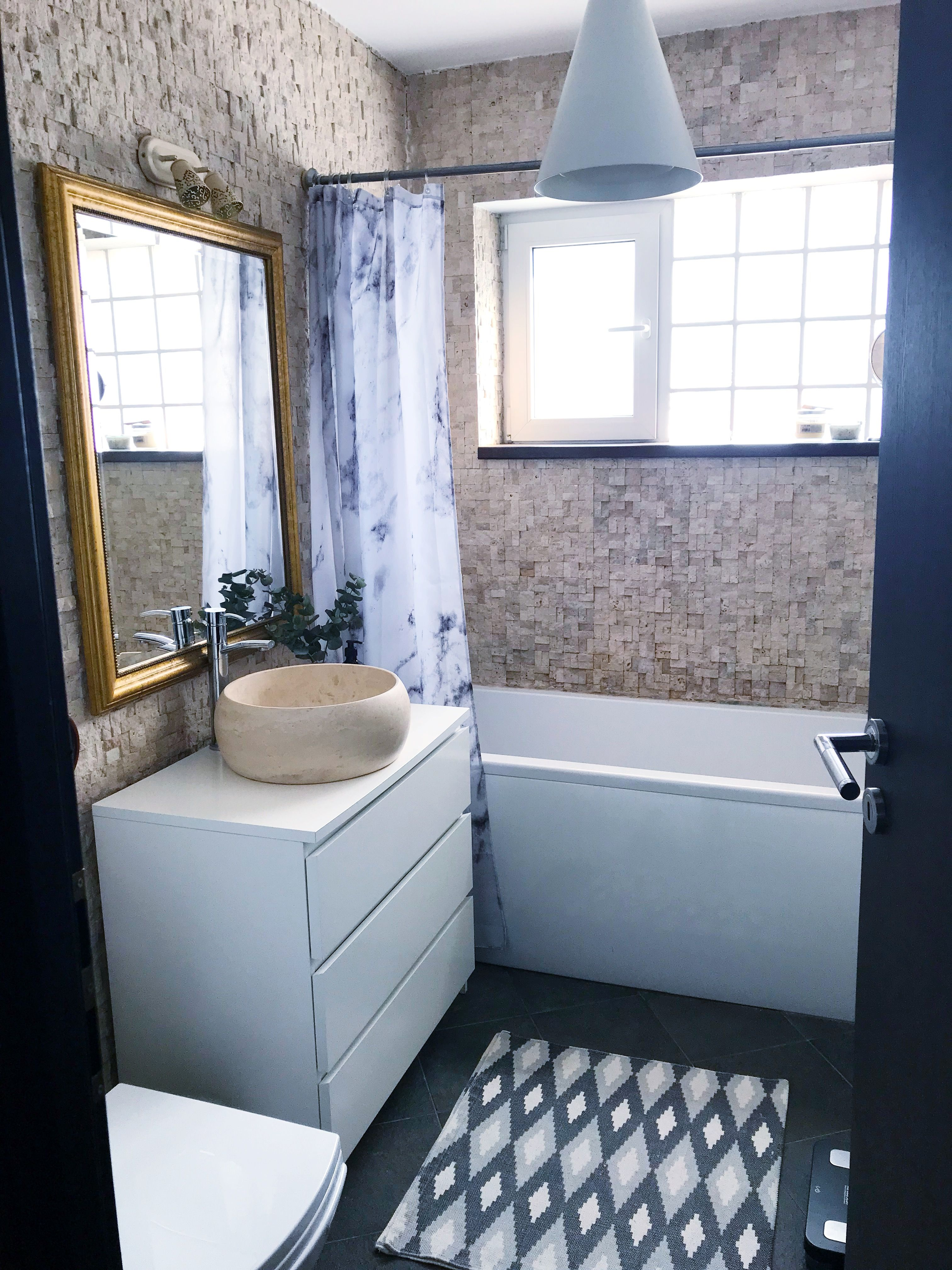 For Maximum Storage In Our Main Bathroom We Transformed An Ikea Malm Chest Of Drawers Into Our Sink Cabinet Works V Ikea Malm Kommode Badezimmer Malm Kommode