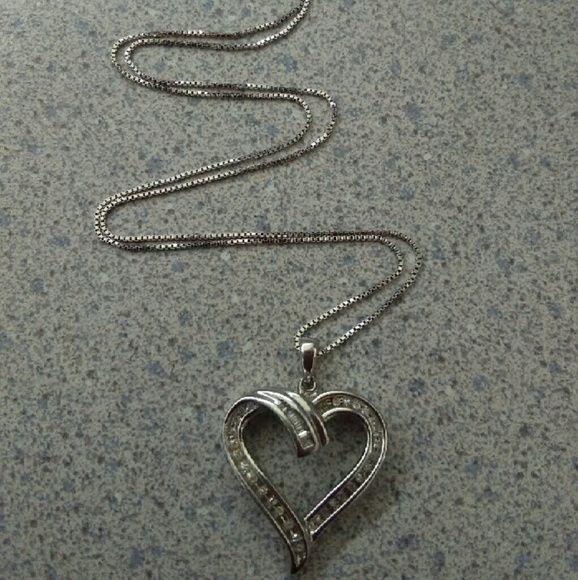 Sterling silver diamonds necklace Sterling silver diamonds necklace,, Real Diamonds,, great condition,, worn once. zales Jewelry Necklaces