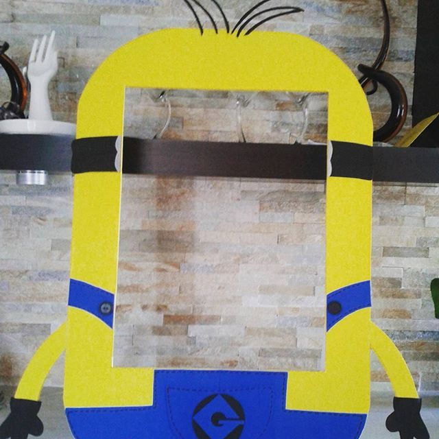 Minions Frame Photo Booth by mariscraftingparty on Etsy   photo ...