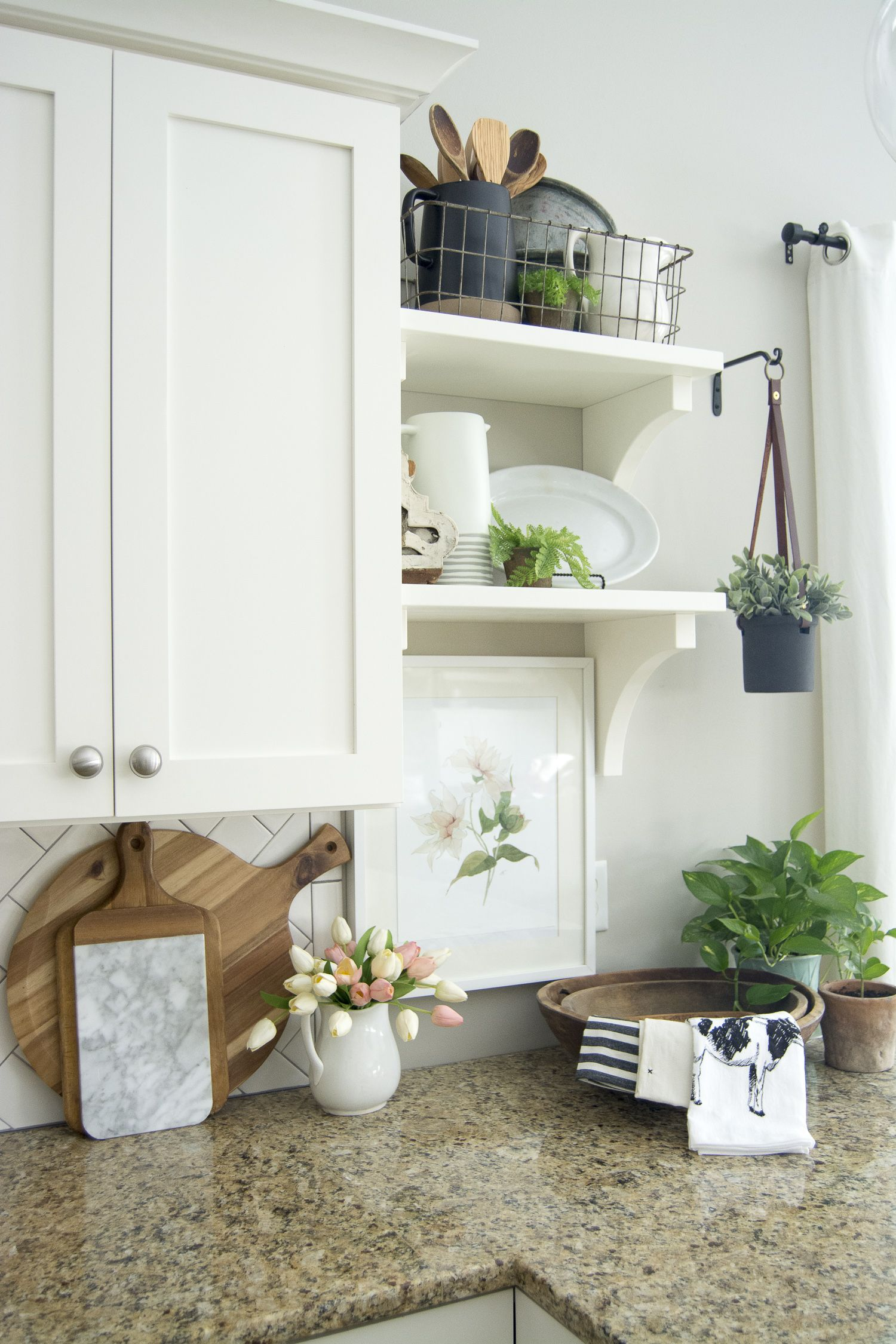 Spring Kitchen Decor | Spring kitchen decor, Modern farmhouse ...