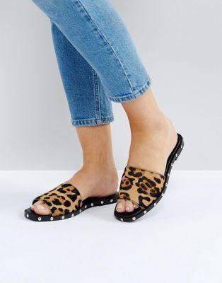 342f7ea15b7c FERNANDO Leather Leopard Slider
