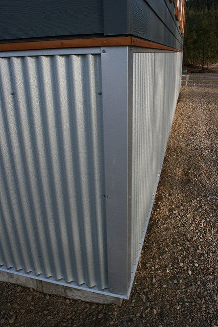 Corner Detail On Building Mobile Home Skirting Mobile Home Exteriors Mobile Home Siding