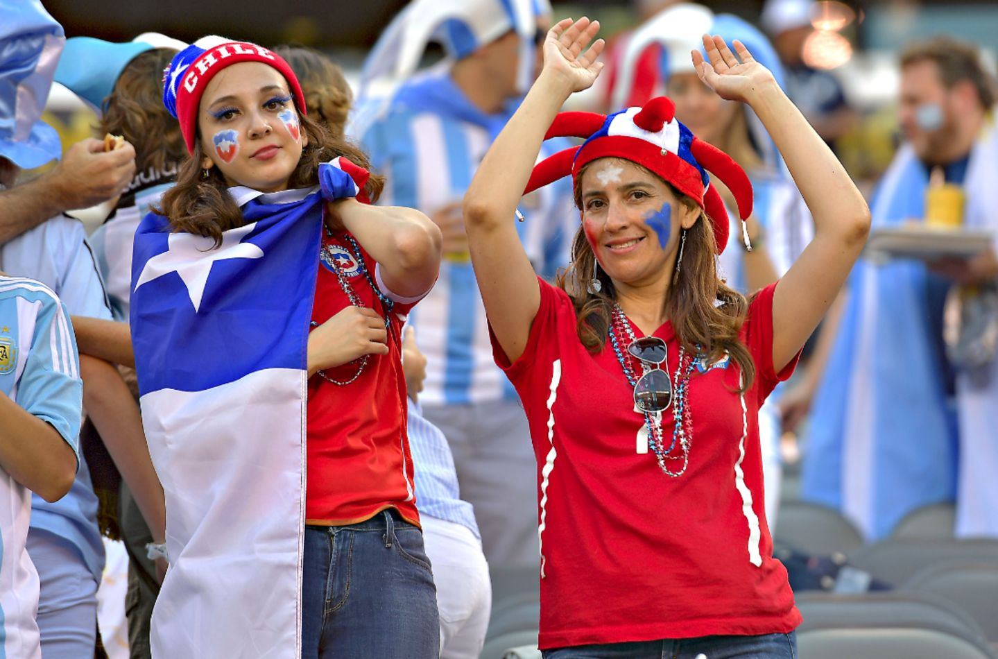 Hinchas chilenas. Supportrices de foot chiliennes