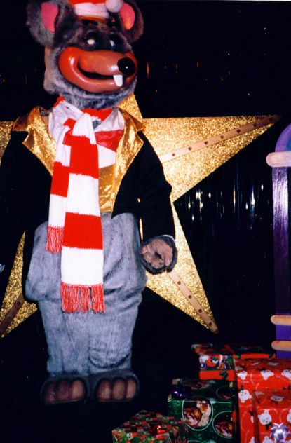 Santa Chuck E Cheese Crucified On A Gold Star Showbiz Pizza Creepy
