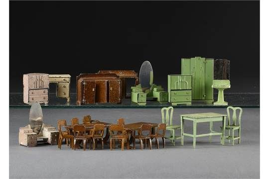 Dinky Dolly Varden dolls house furniture: including dining room set ...