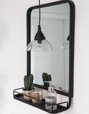 Photo of Großer industrieller Wandspiegel mit Mini-Regal