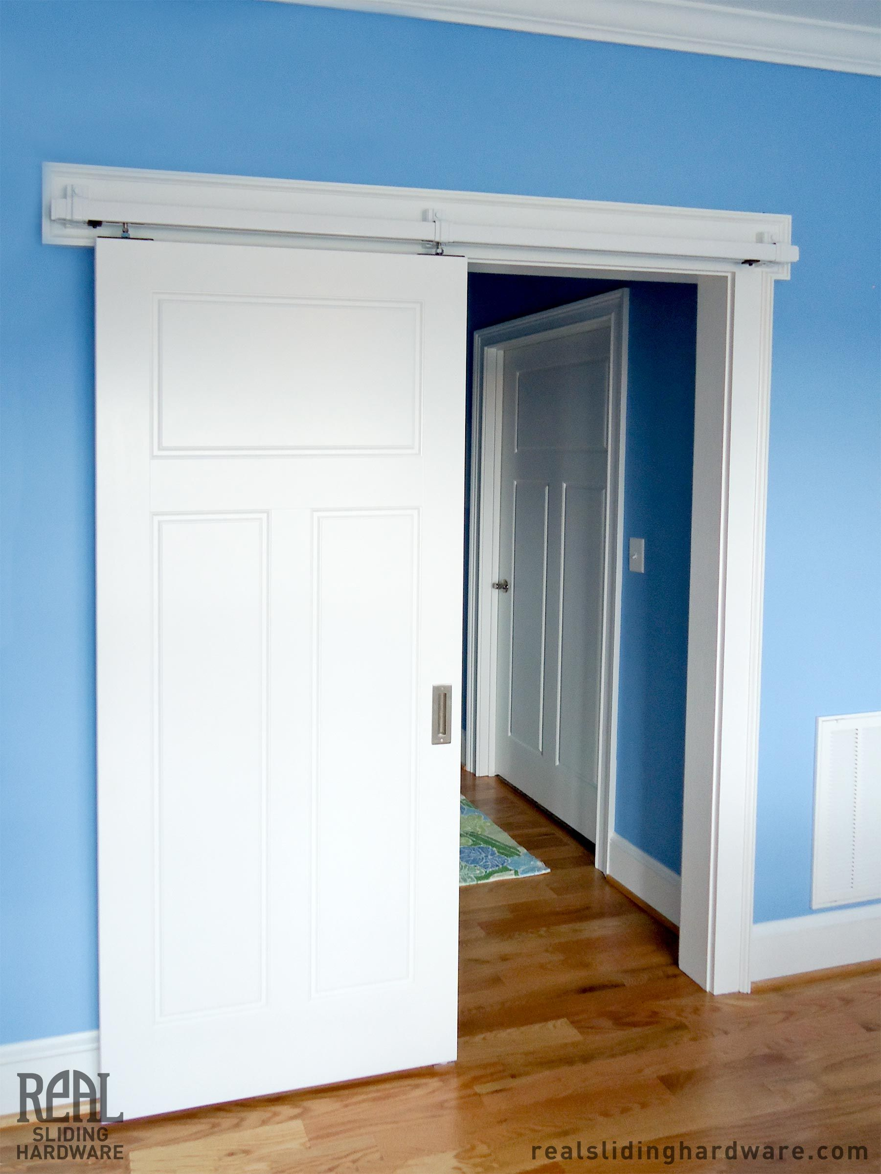Box Rail Hardware Painted White To Match The Door Janelas Portas
