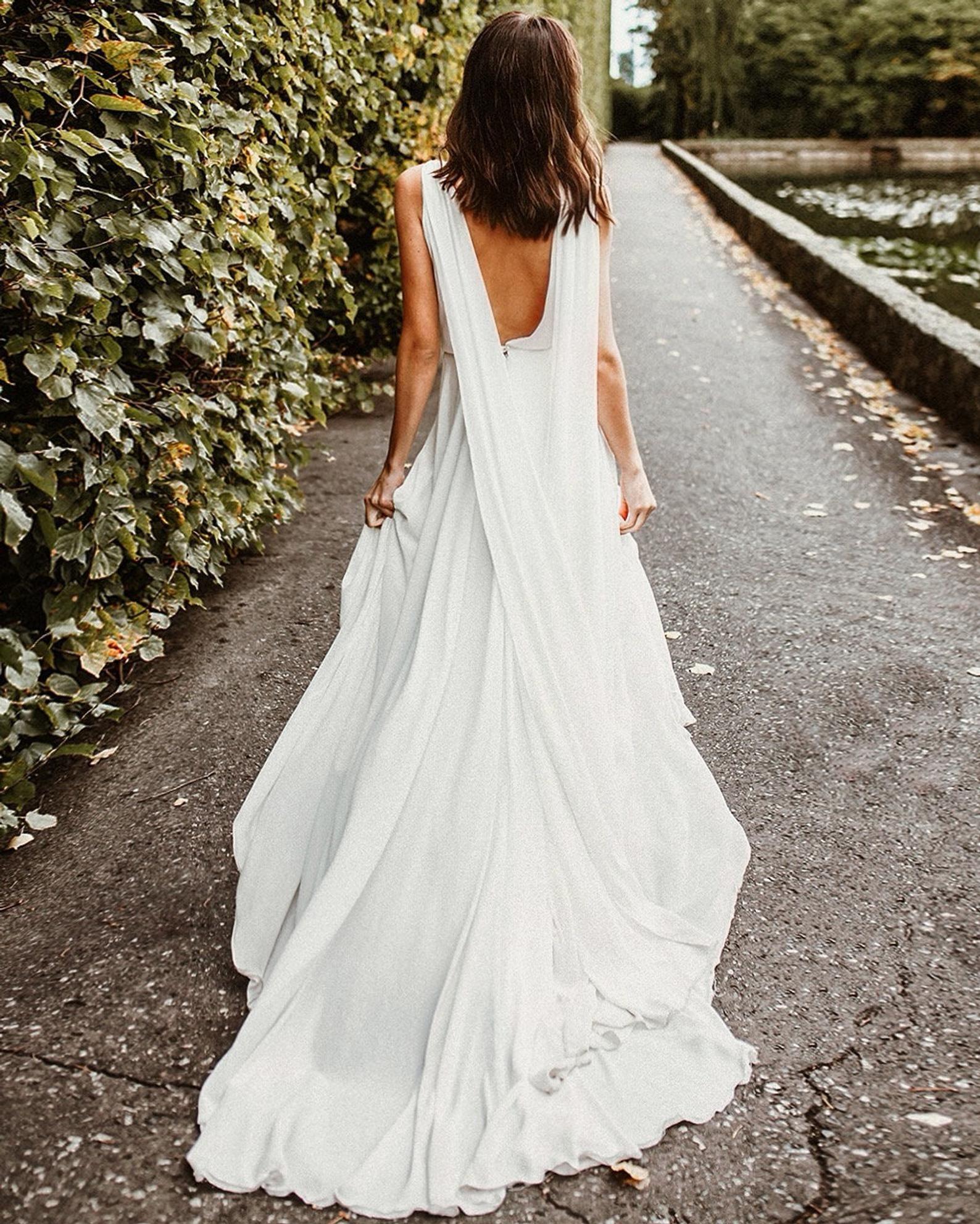 Minimal And Elegant Wedding Dressivory Wedding Gownchiffon Etsy In 2021 Wedding Dresses Modern Wedding Gown Ivory Wedding Gown [ 1984 x 1588 Pixel ]
